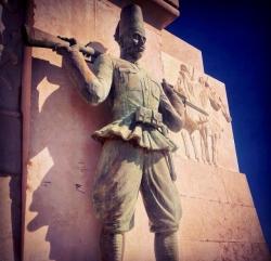 siracusa_monumento_caduti_africa_ascaro_eritreo