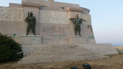 Siracusa_Monumento-caduti-Africa (1)