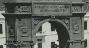Mogadiscio_1928-Arco_A Umberto di Savoia Romanamente