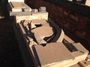 Asmara, Eritrea - Cimitero ebraico vandalizzato (11)
