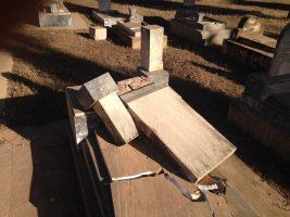 Asmara, Eritrea - Cimitero ebraico vandalizzato (17)
