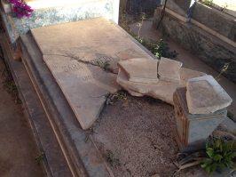 Asmara, Eritrea - Cimitero ebraico vandalizzato (18)