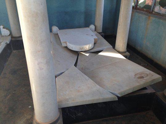 Asmara, Eritrea - Cimitero ebraico vandalizzato (5)