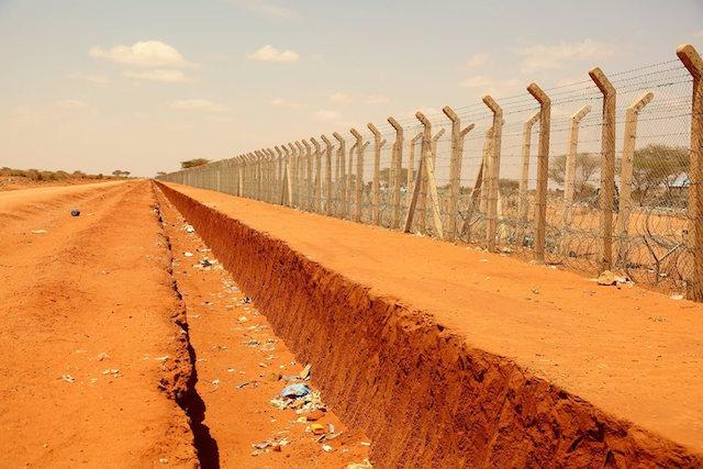 Wall_Border-Somalia_Kenya