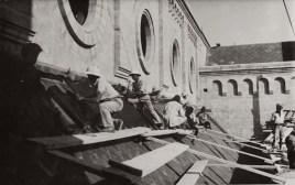 05-Mogadiscio Cattedrale lavori di copertura del tetto gennaio 1928
