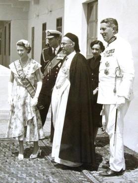 1954, Tobruk, Libia - La Regina Elisabetta con Re Idris_intera