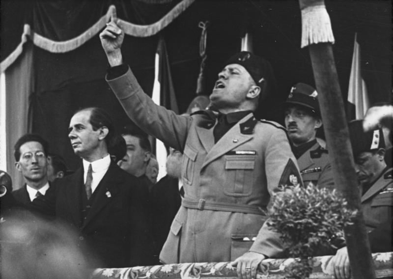 Mussolini_Roma_Adunata 2 ottobre 1935