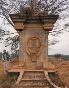 Monumento prigionieri italiani Kenia distrutto (1)