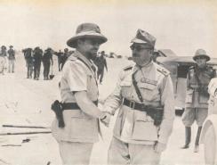 Balbo a Bir Gobi con generale Sibille