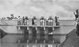 Il governatore Rava alza le saracinesche del nuovo canale